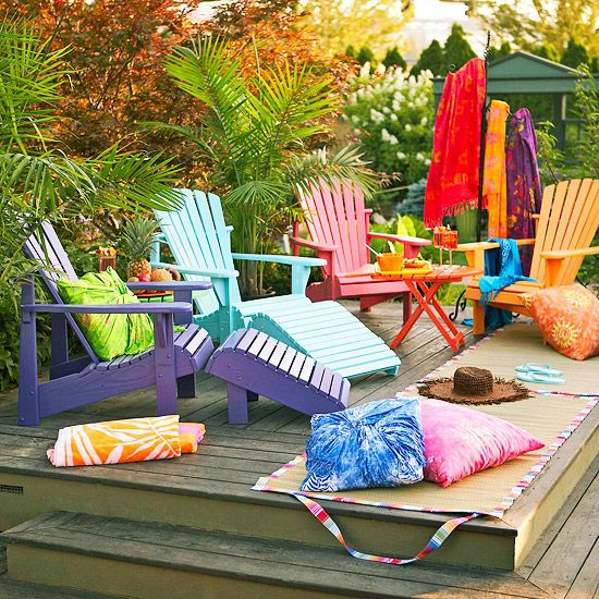 Salon de jardin en palette avec Colorful Backyard Decorating Ideas